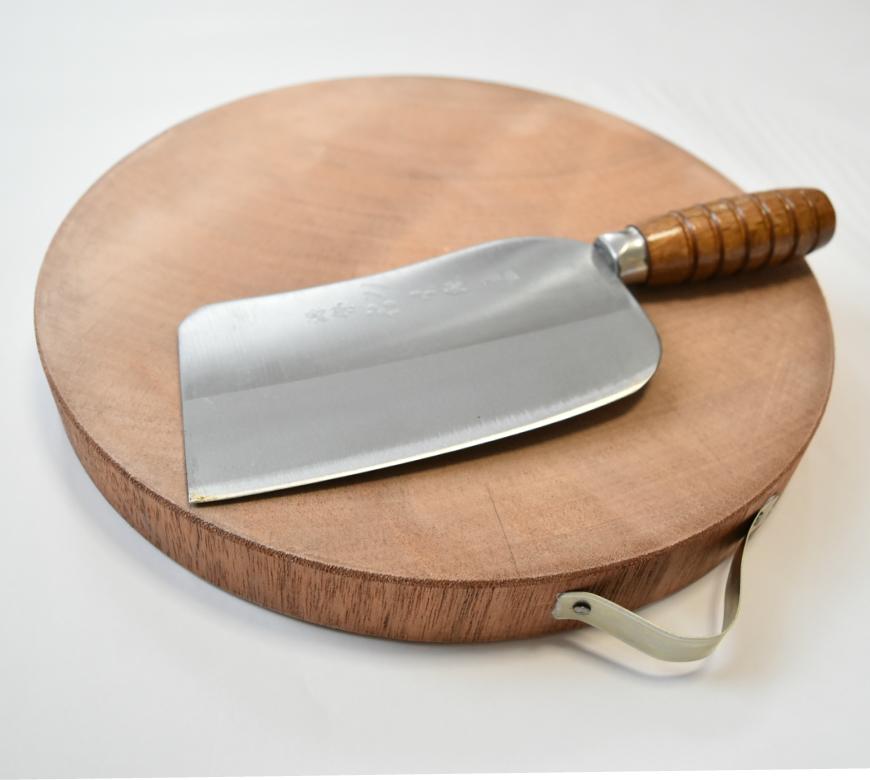 台湾 丸形木製まな板と骨付き肉切り中華包丁セット(電鍋は含みません)
